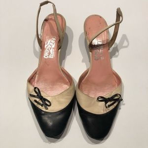 🧶 Salvatore Fergamo black cream kitten heels 9.5
